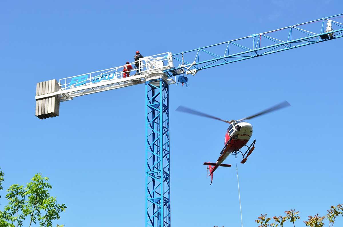 Montaggio con elicottero